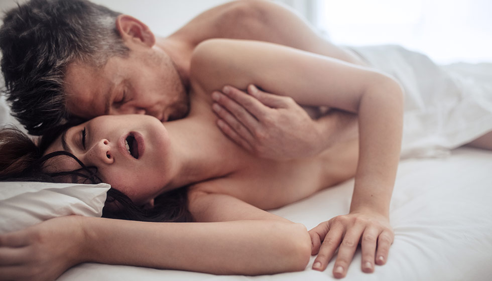 Posturas recomendadas para el sexo anal